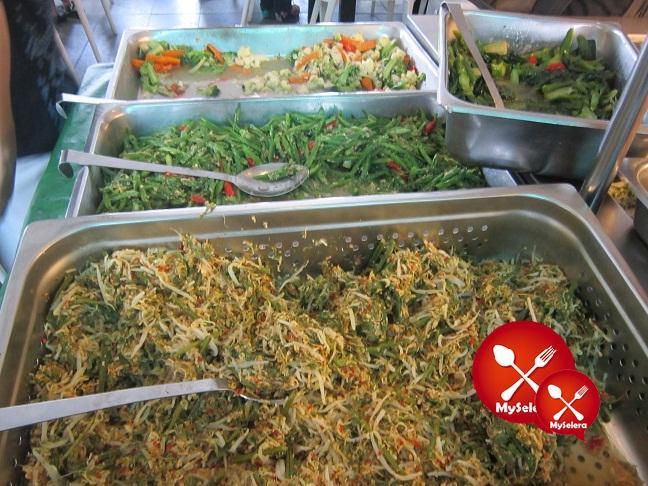 nasi campur jalan penchala sambal_hijau