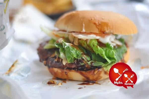 BURGER BAKAR BLACK PEPPER
