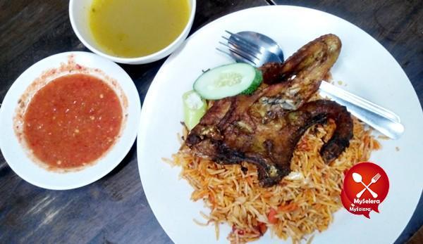 Nasi Maqlubah ayam kampung di Restoran Nasi Aeab Al Edrus Kuala Terengganu