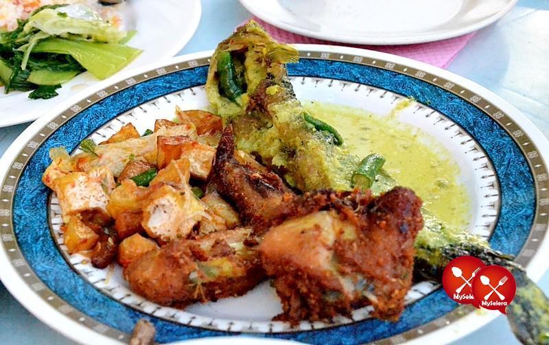 Hidangan Buffet Ramadhan D'Kampung Cafe, Anggerik Mall