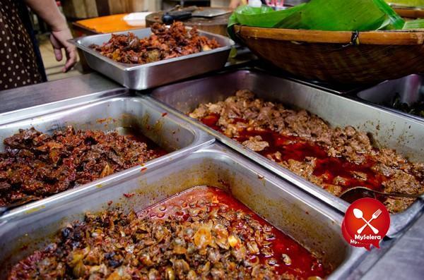Nasi Lemak Sedap KL Nasi Lemak Famous, Bangsar-3
